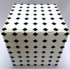 Black and White Diamond (Cube Table)