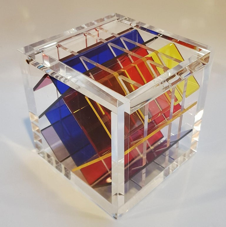Haringa + Olijve Abstract Sculpture - Homage to Van Doesburg - contemporary modern abstract geometric cube sculpture