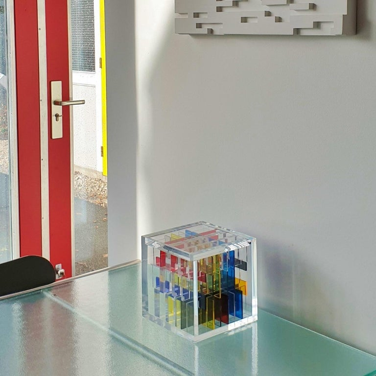 Boogie-woogie - contemporary modern abstract geometric cube sculpture - Sculpture by Haringa + Olijve