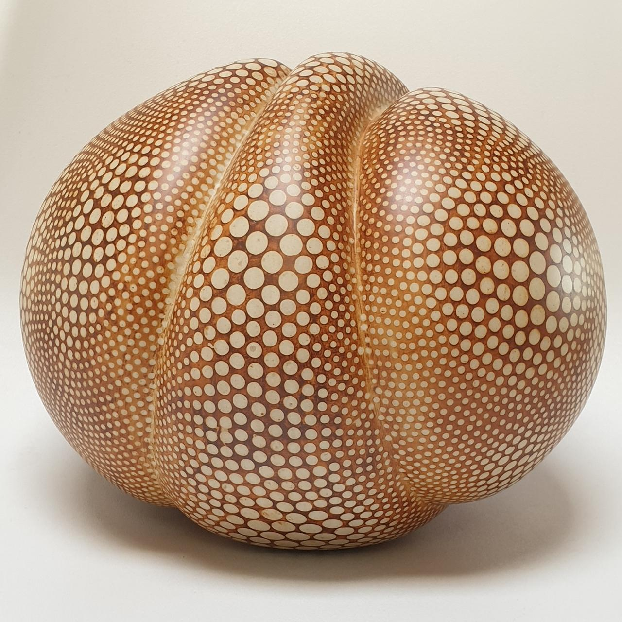 Kokon gepunktet - contemporary modern abstract organic ceramic sculpture object