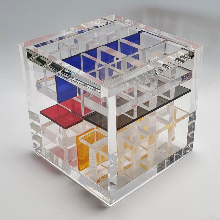 Haringa + Olijve Abstract Sculpture - Homage to De Stijl - contemporary modern abstract geometric cube sculpture