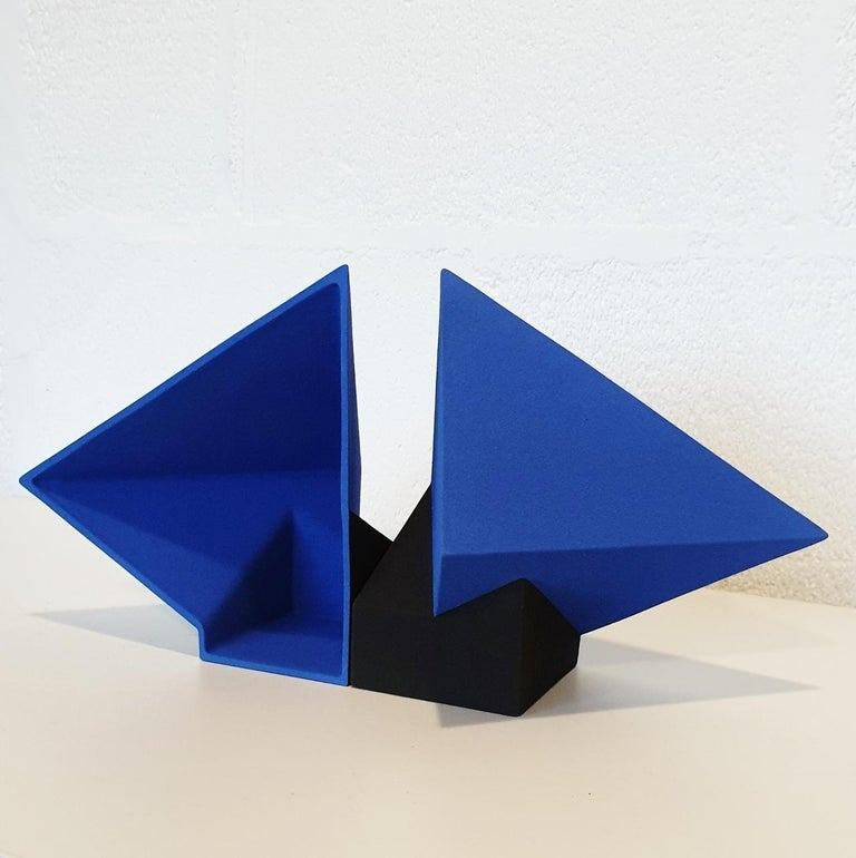 SC1502 blue - contemporary modern abstract geometric ceramic object sculpture - Gray Abstract Sculpture by Let de Kok