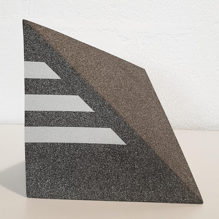 Untitled - contemporary modern abstract geometric ceramic sculpture object - Contemporary Sculpture by Let de Kok