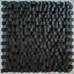 Variation répétitive - black contemporary modern geometric sculpture painting