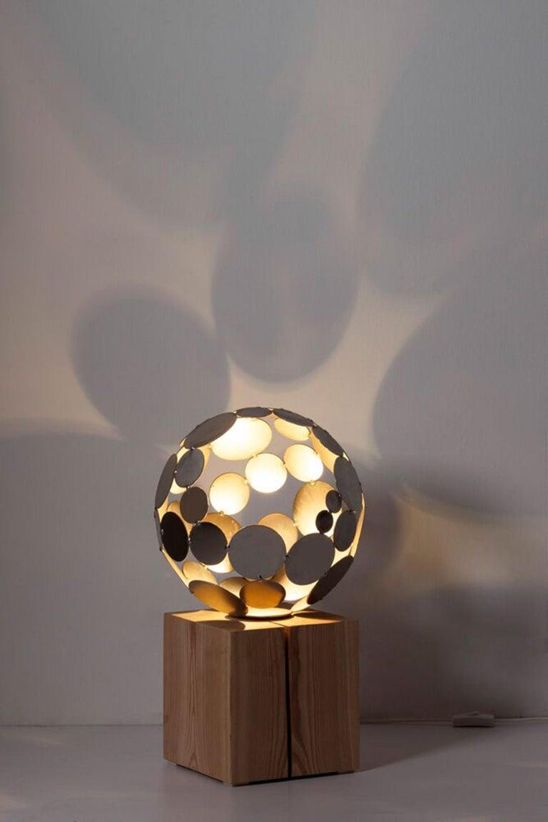 Globe Light - contemporary sculpture small - Sculpture by Stefan Traloc