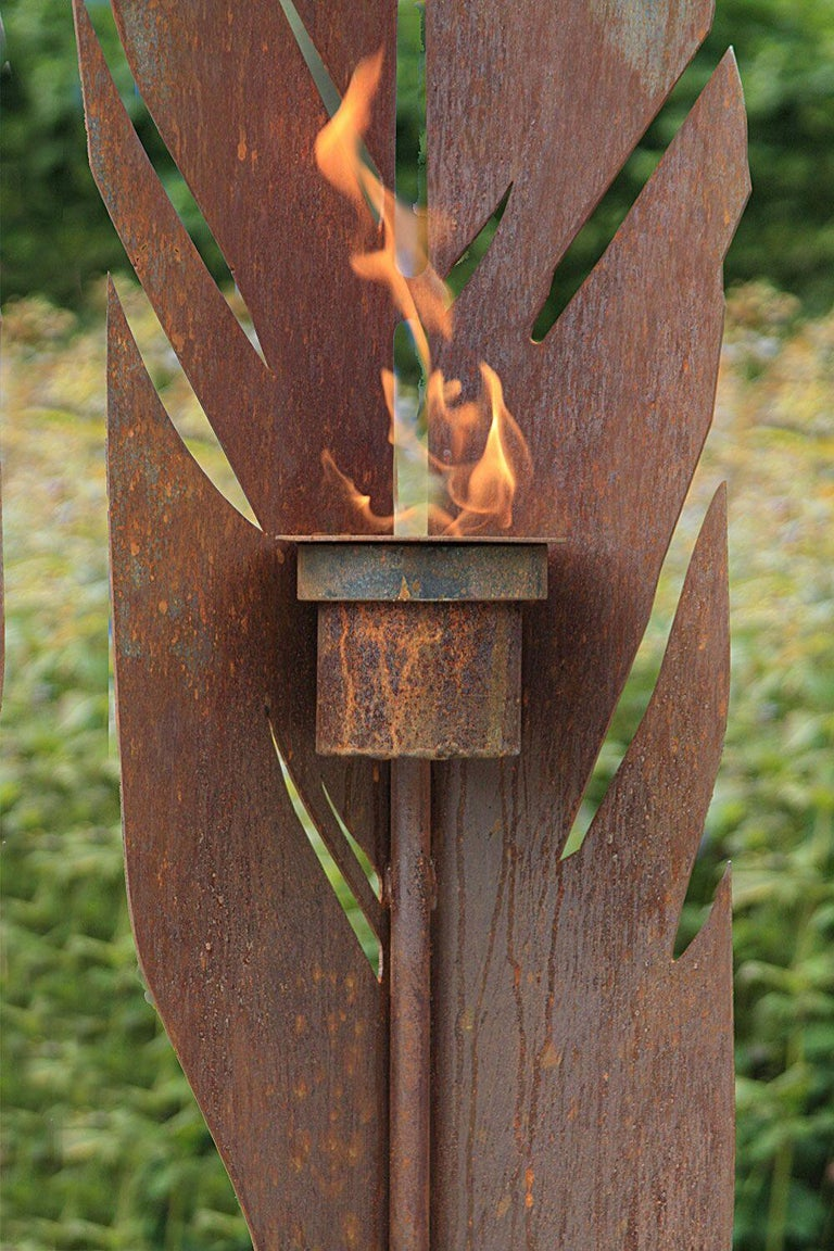 Used material: Cor-Ten Sheet steel, rusted. stainless steel Planed, oxidized  Artist Stefan was born and works in Germany NRW. He primarily develops garden sculptures such as fire bowls, torches, boxes and furniture. Stefan always surprises with