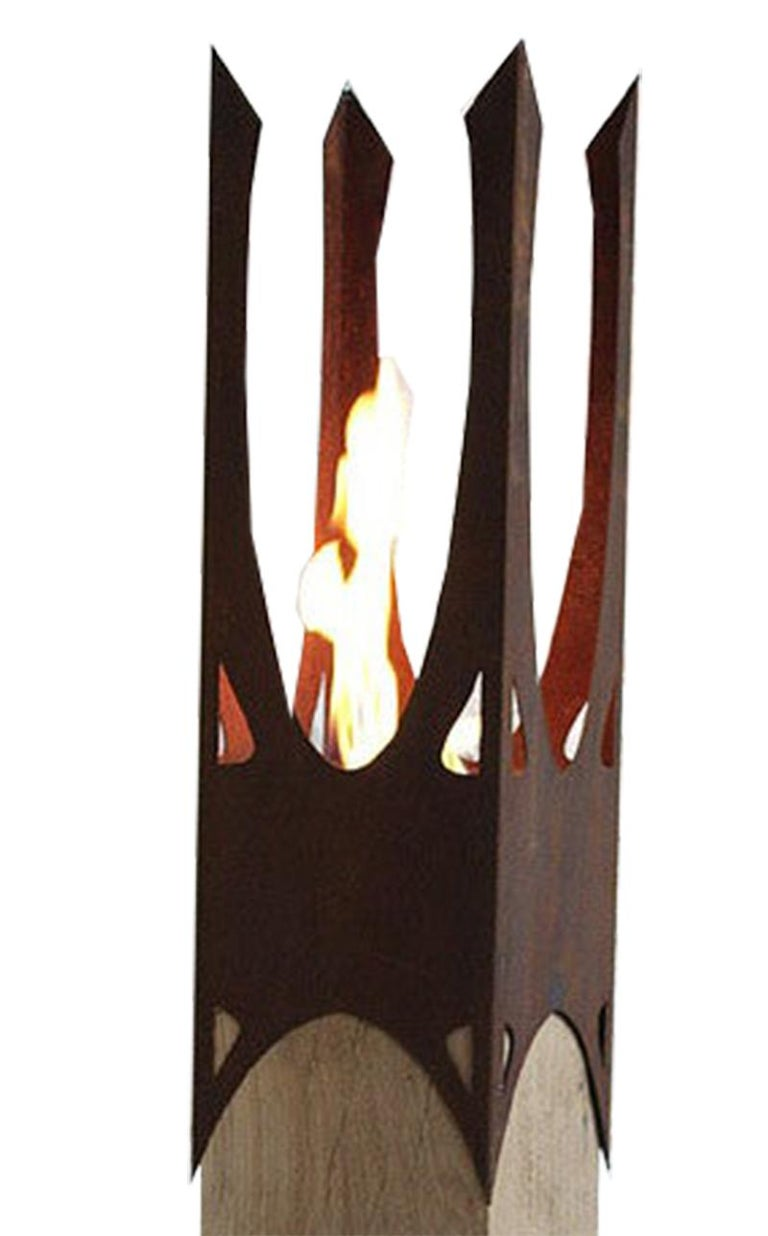 Extraordinary garden torch with one burner insert on an untreated oak spot. If the spot is set up outside, she develops a gray patina.  Column / Garden Torch  Unique, handcrafted garden decoration.  Weight: 42 kg Dimensions: 20 x 20 cm Total Height: