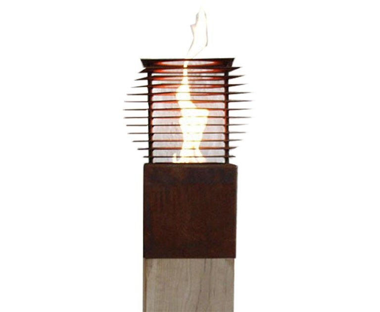 Extraordinary garden torch with one burner insert on an untreated oak spot. If the spot is set up outside, she develops a gray patina.  Column / Garden Torch  Unique, handcrafted garden decoration.  Weight: 45 kg Dimensions: 20 x 20 cm Total Height:
