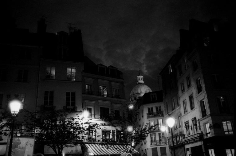 FRANCIS APESTEGUY  Black and White Photograph - PARIS JE T'AIME