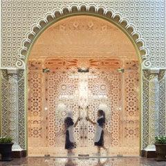 Palacio Abu Dhabi - Fine Art Photography, Landscape, Contemporary, Roger Grasas