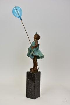 Girl with balloon - Statue Figurative Sculpture Bronze Art Contemporary