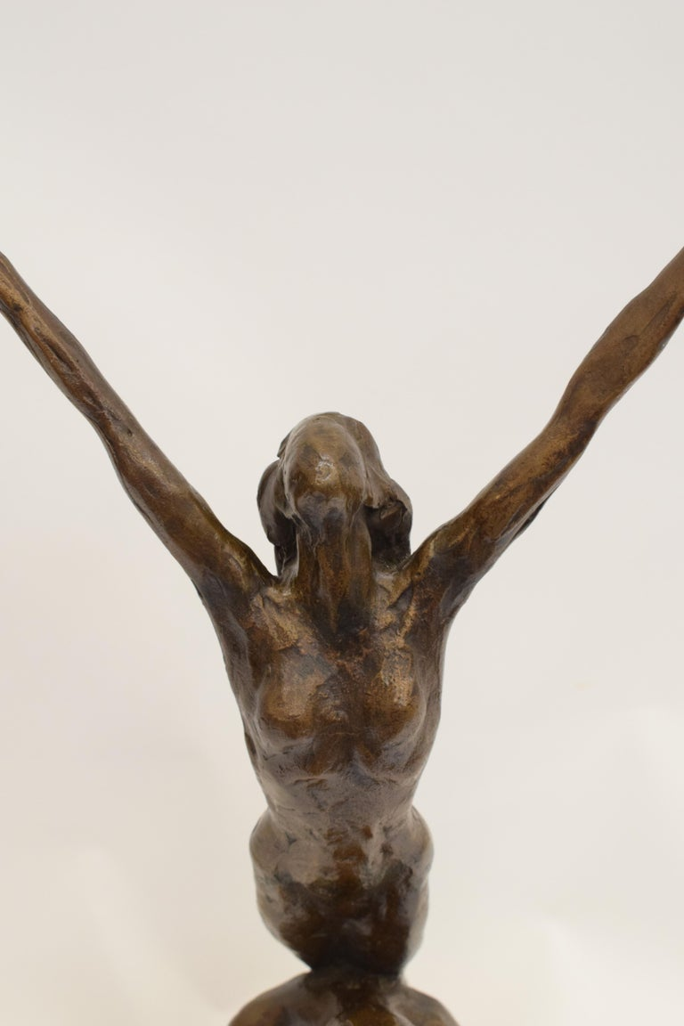 Bronze statue of sitting man and woman balancing on the back - Kees Verkade  For Sale 3
