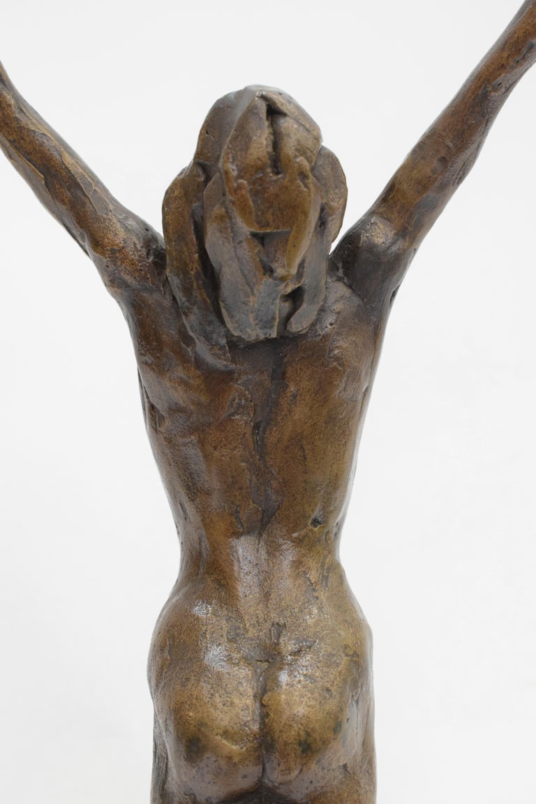 Bronze statue of sitting man and woman balancing on the back - Kees Verkade  For Sale 6