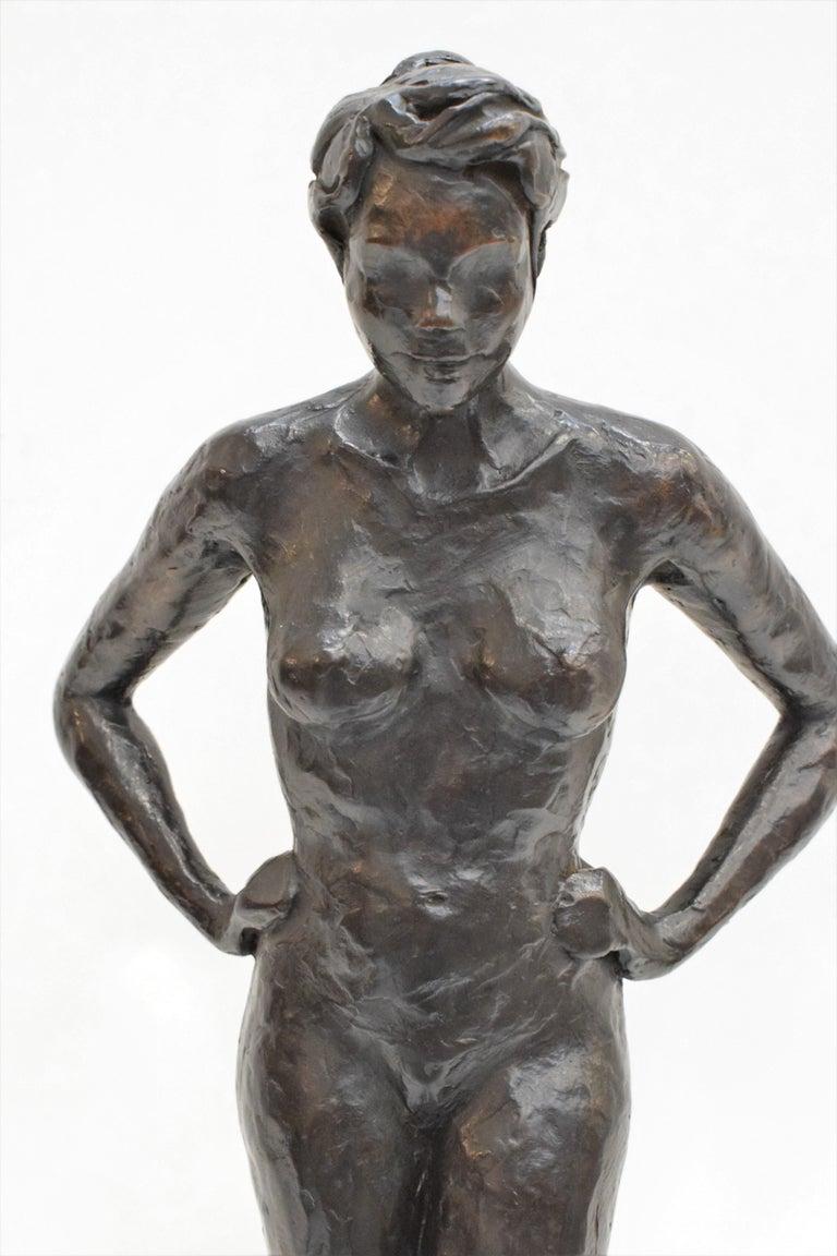 Bronze statue of a woman, Anneke Hei - Degenhardt (1951), Signed For Sale 2