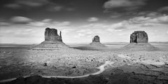 Monument Valley USA, contemporay black and white fine art photography landscapes