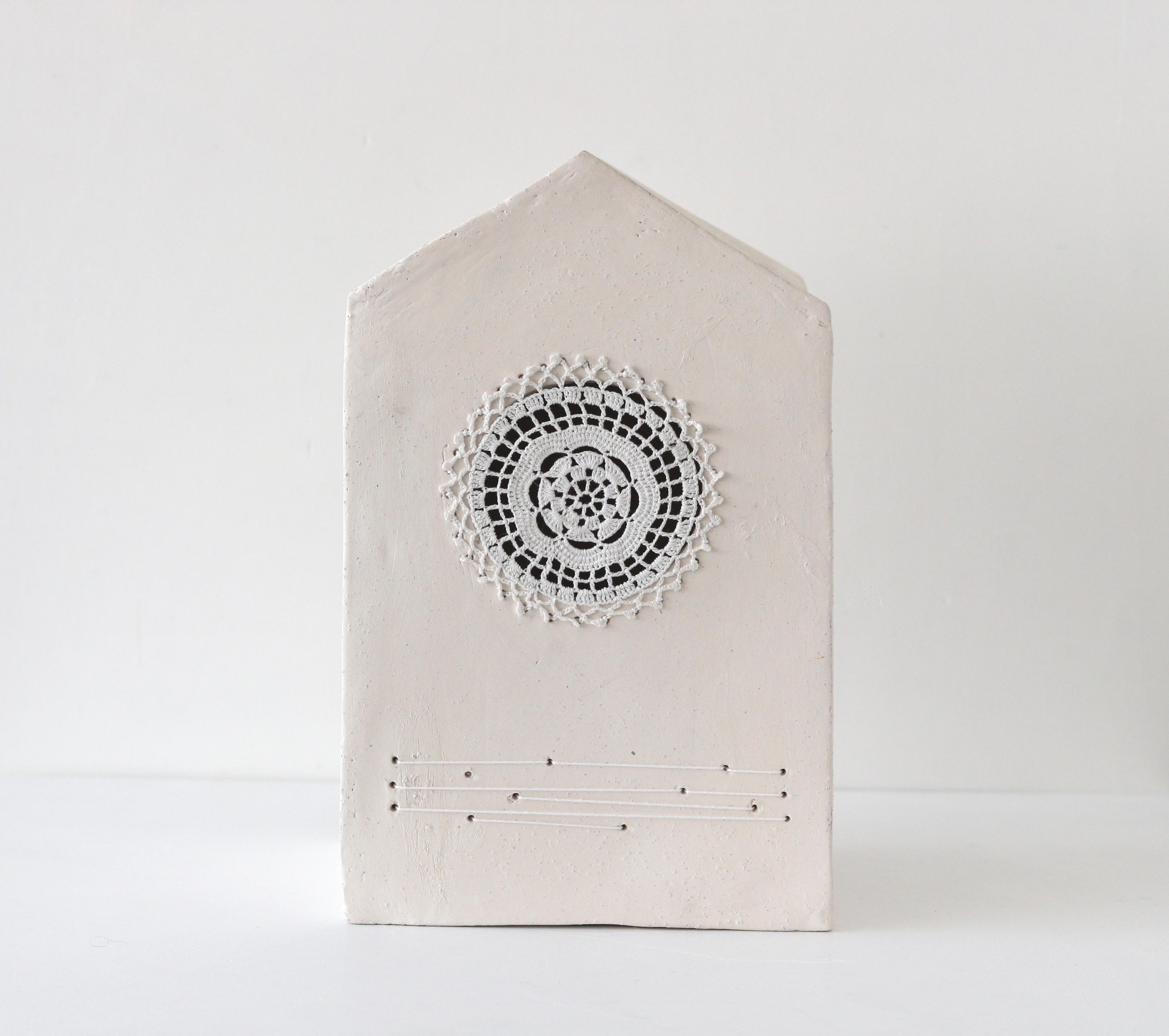 """Camilla Marinoni """"Accoglienza-MultiverCity"""" (Doily), ceramic sculpture"""