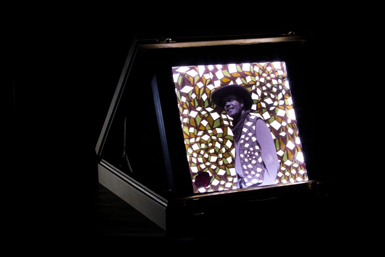Art object made in collaboration with Mexican photographer Alberto Vazquez Ortiz in order to honor the Golden Age of Mexican Cinema is made with a photograph intervened with gel pen and cut out with exacto knife and presented in a golden briefcase.
