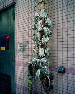 back door 03 – Michael Wolf, City, Colour, Hong Kong, Street Photography