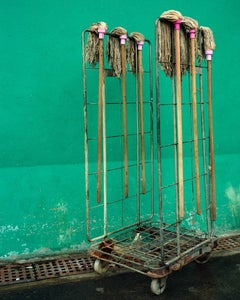 back door 14 – Michael Wolf, City, Colour, Hongkong, Street Photography