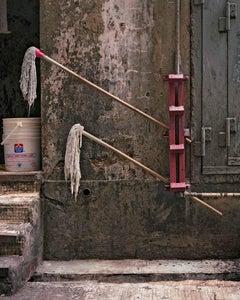 back door 29 – Michael Wolf, City, Colour, Hong Kong, Street Photography, Mop
