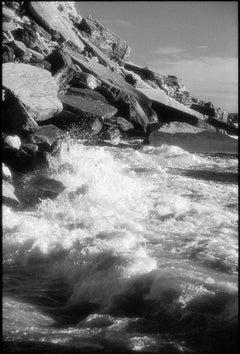 Cinque Terre, Italia - Black and White Photograph of Italian Coast Landscape