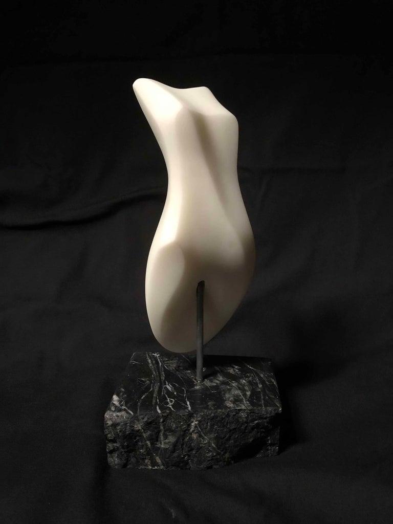 Steven Lustig Figurative Sculpture - Clycladic Sister II