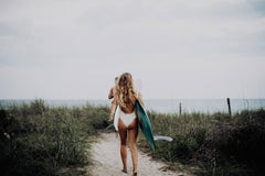 Beach, Ocean, Surfers going to beach : Oceanside Babe 914