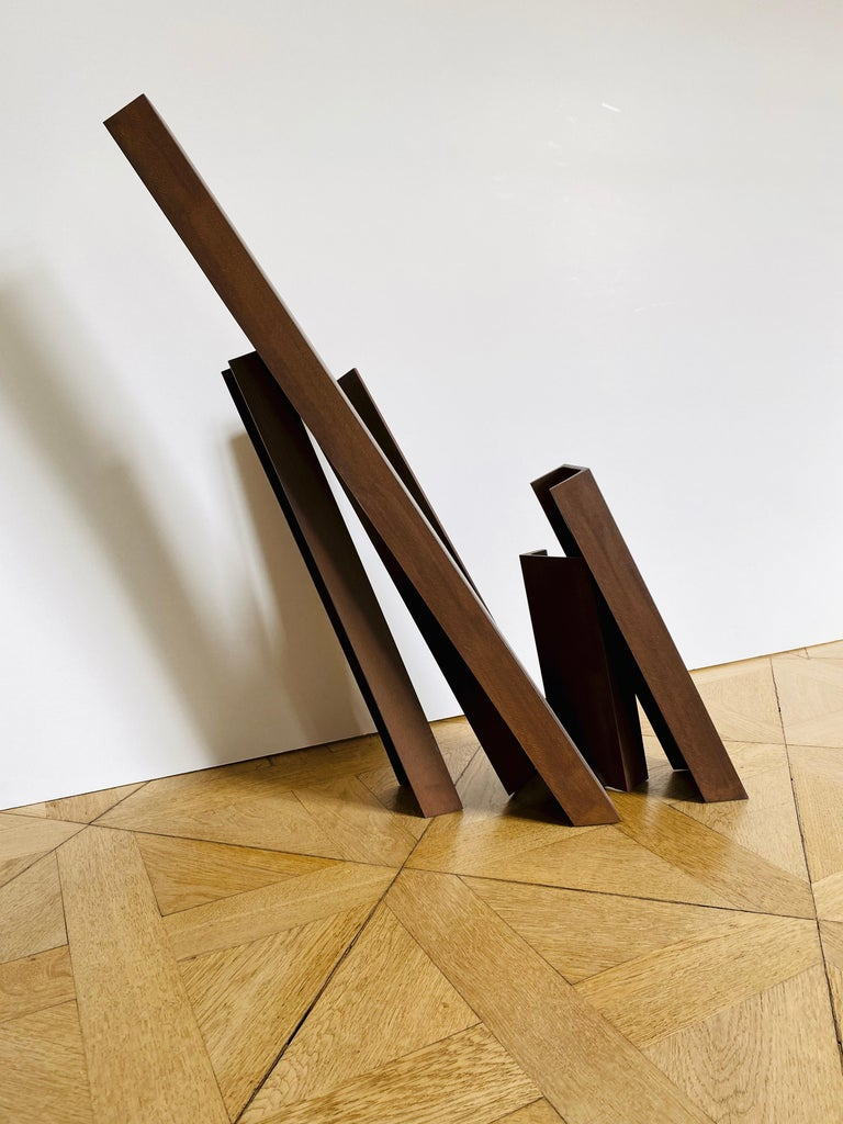 Etienne Viard Manhatten, 2017 Cor-Ten- Steel h = 79 cm  h = 31 in monoram and dated EV/S 22  Etienne Viard's work is based solidly in the minimalist movement, within which Viard reduces minimalism's aesthetic vocabulary to one simple element : the