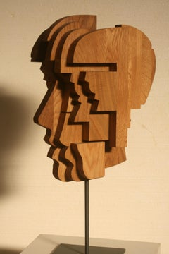 Cabeça de menino, Nogueira Lopes, 2020, Contemporary sculpture, Oak wood, Brown