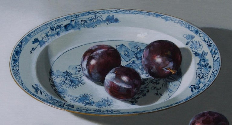 ''Plums on light'', Contemporary Still Life with Porcelain and Fruit - Gray Still-Life Painting by Sasja Wagenaar