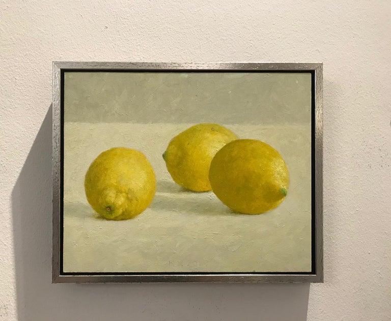 ''Lemons'' Contemporary Dutch Still Life Painting of Fruit, Lemons For Sale 2