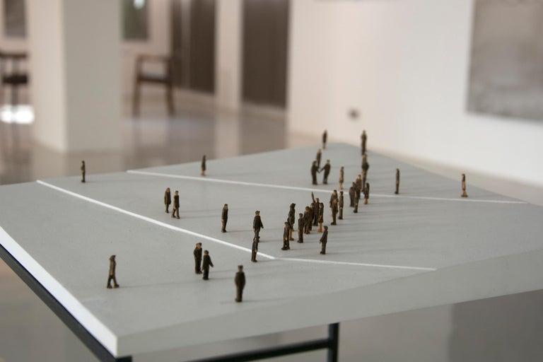 Kleine BetrachterInnen (Small Observers) - sculpture, pedestal, wood, metal, b&w - Minimalist Sculpture by Lorenz Friedrich