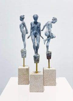 Lilliputian #9 by Rod Moorhead. Figurative sculpture.