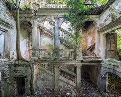 Idillio by Nicola Bertellotti. Abandoned palazzo photography.