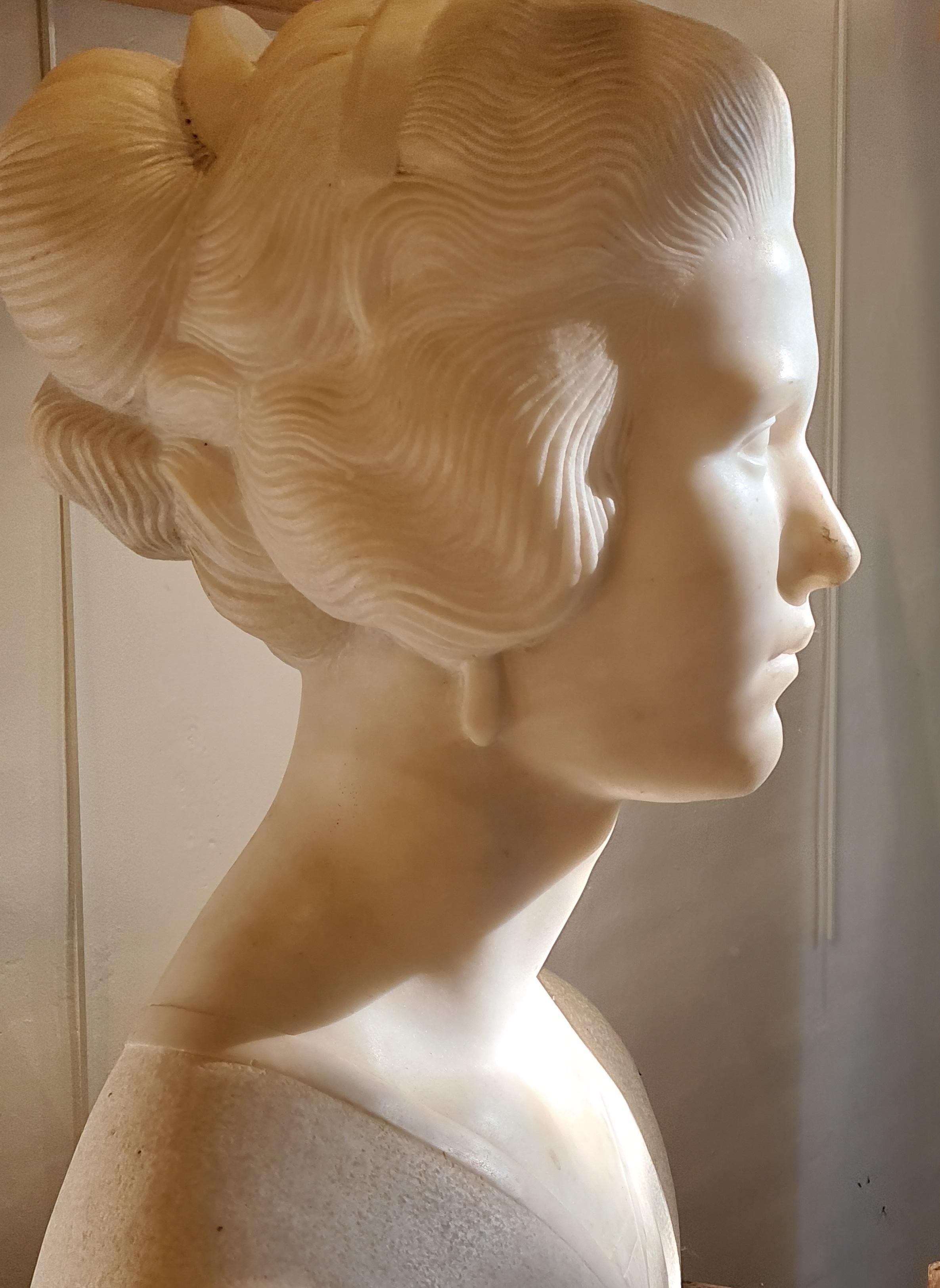 'Suzanne', large Art Déco period Carrara marble sculpture bust.