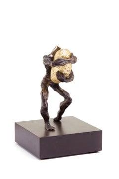 Tomasz Koclega, Onus avaritia, bronze, stone, gold, wood, 24 x 15 x 15 cm, 2019