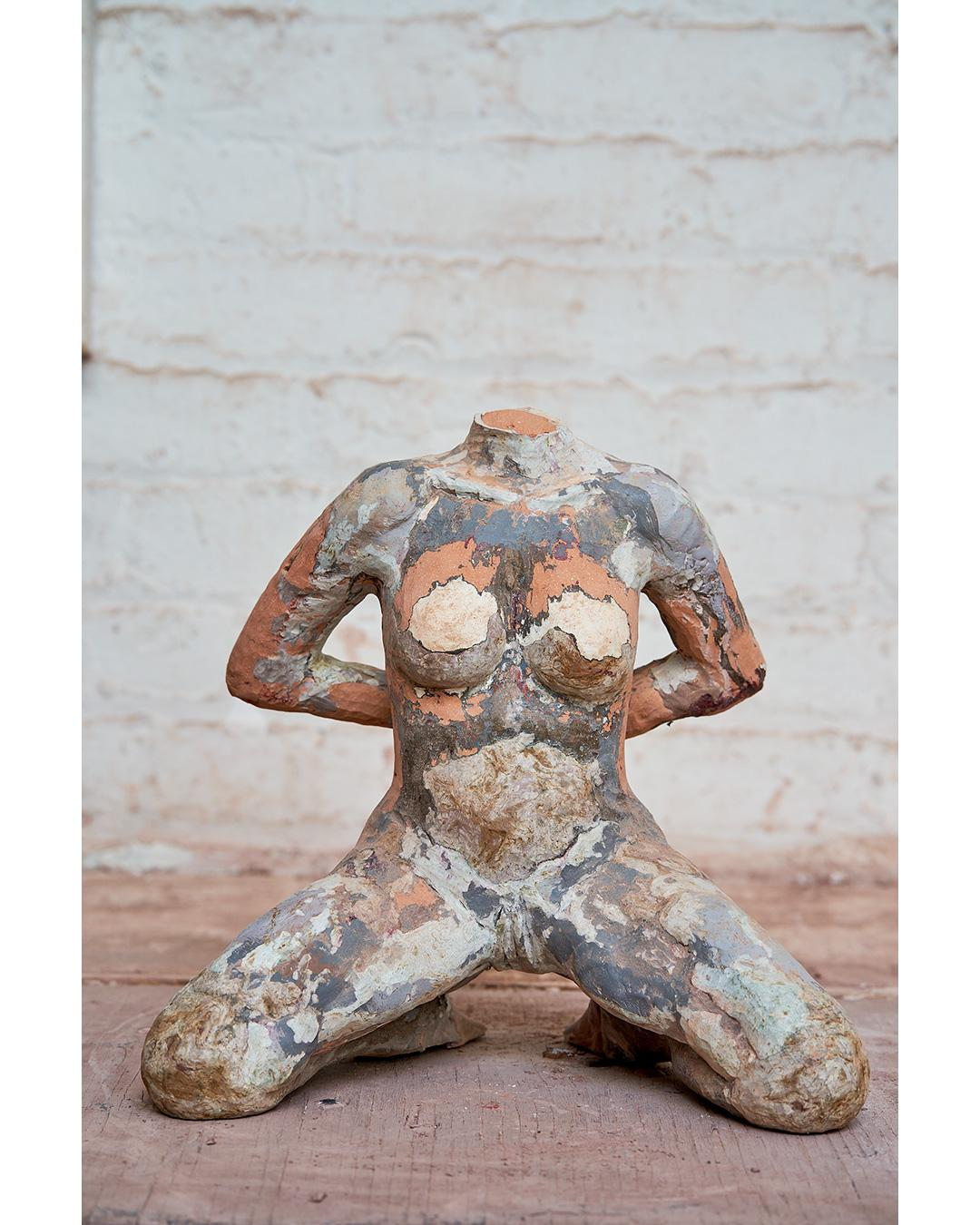 """""""La Grande Chaumiere"""" Nude Figurative Sculpture, Beige, Grey, White"""