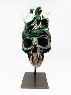 Kiko, Skull, Recycled feathers and Nocibe shells on resin, base in brass