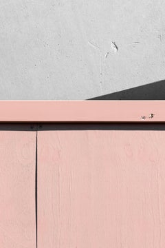 Pink and Grey - focuses on mundane urban landscape, Photographic, looking up.