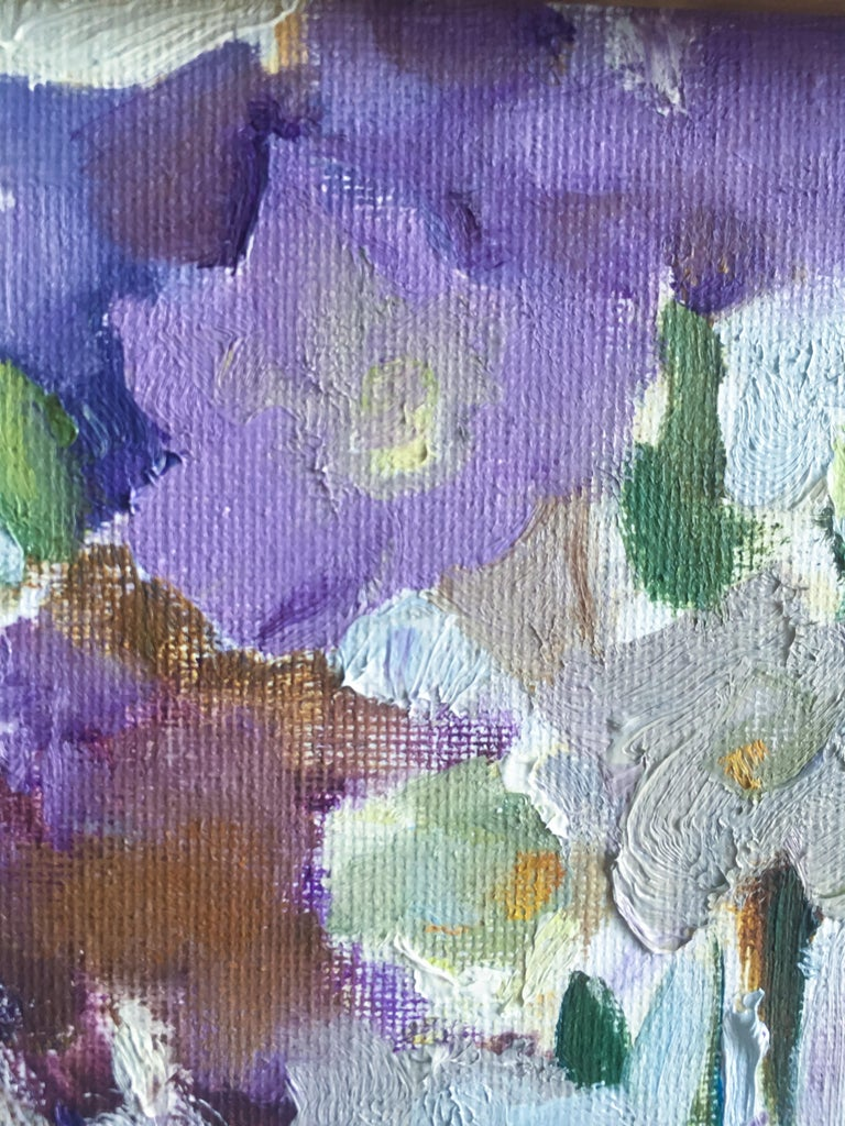 Viewers can be hypnotized by this little floral,