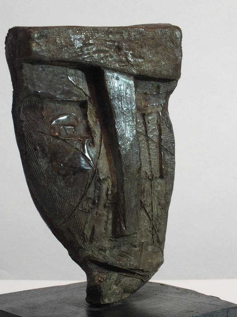 Weight 2.7kg  Tim was born in Derbyshire, England & from an early age was attuned to the natural world. He came to art later in life and forges his sculptures using mainly the lost wax technique. His materials are bronze, steel & iron.  Living in