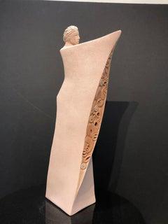 Awhi Whakapapa, Embracing Geneaology, ceramic figurative sculpture, Contemporary