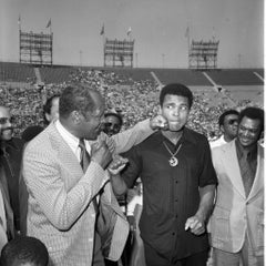 Icons, people - Tom Bradley & Muhammad Ali Play Boxing, Los Angeles Calif. 1973