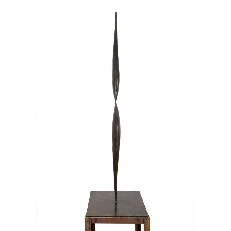 Isabelle Thiltgès Figurative Sculpture - Inversion