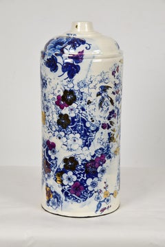 Delft Spray Nam, NAM TRAN - Ceramic, Sculptor, Contemporary, Spray Can