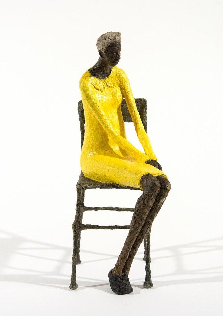 Attente dames jaune et bleu - Sculpture by Paul Duval