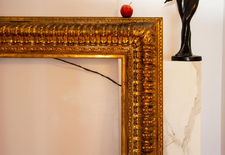 19th century Italian Rococo Gilt Wood Picture frame with ornate foliate. For Sale 1