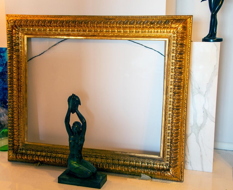 19th century Italian Rococo Gilt Wood Picture frame with ornate foliate. For Sale 10