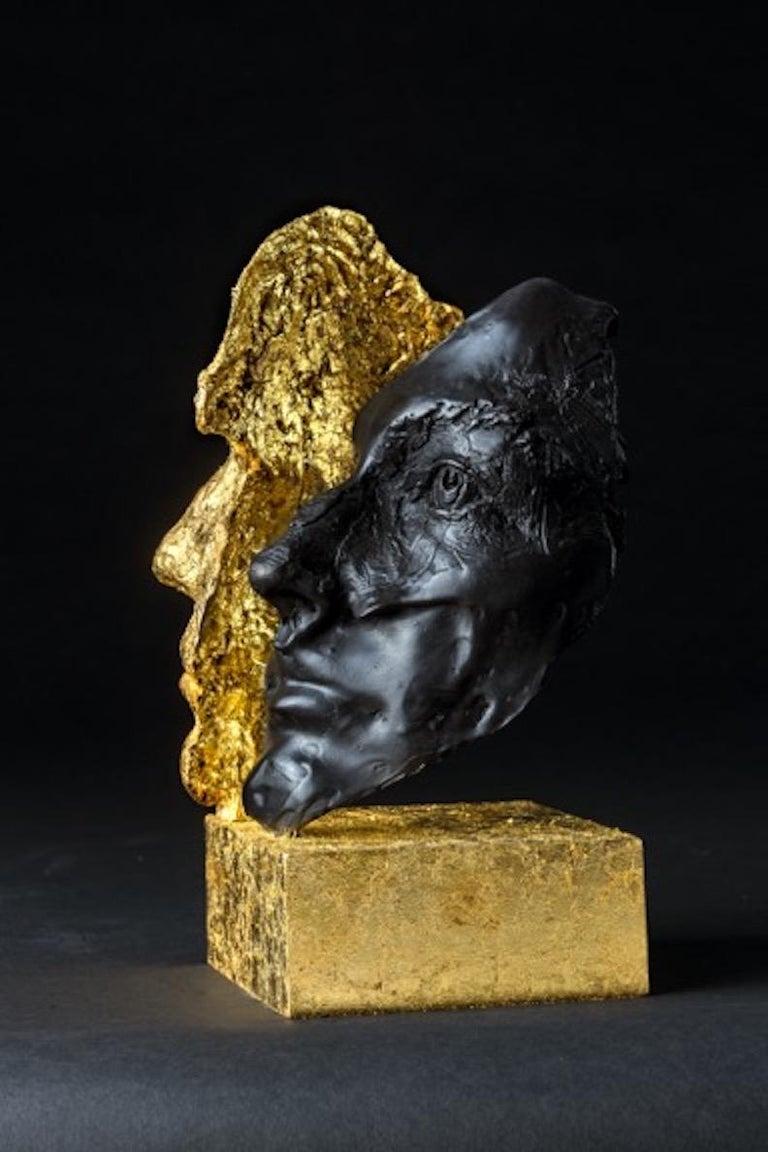 DAS ICH UND DAS ES - Gold Figurative Sculpture by Boky Hackel-Ward