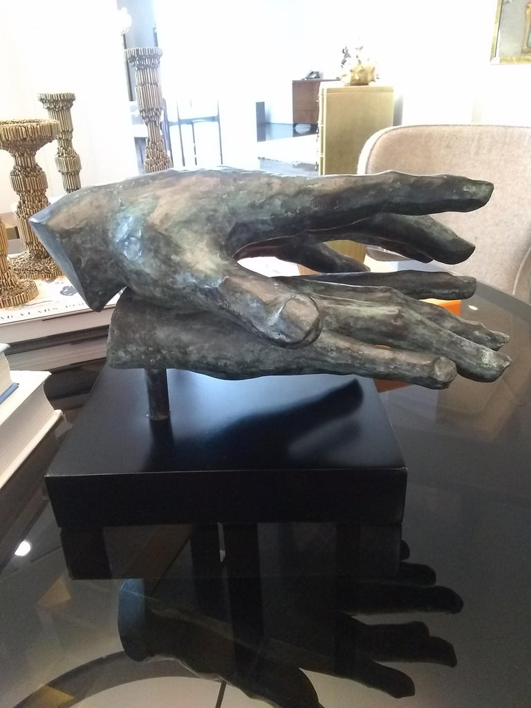 Hand game  - Gray Nude Sculpture by Gerard Ramon